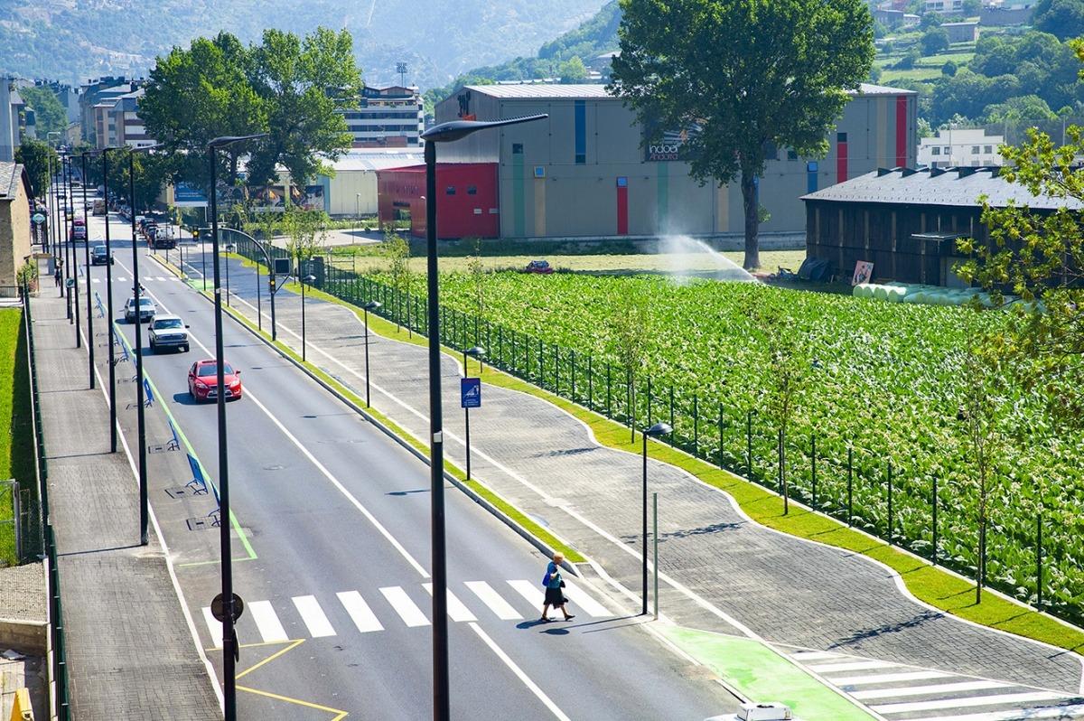 Una imatge de l'avinguda d'Enclar, ja finalitzada.