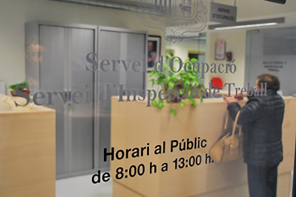Entrada al despatx del Servei d'Ocupació.