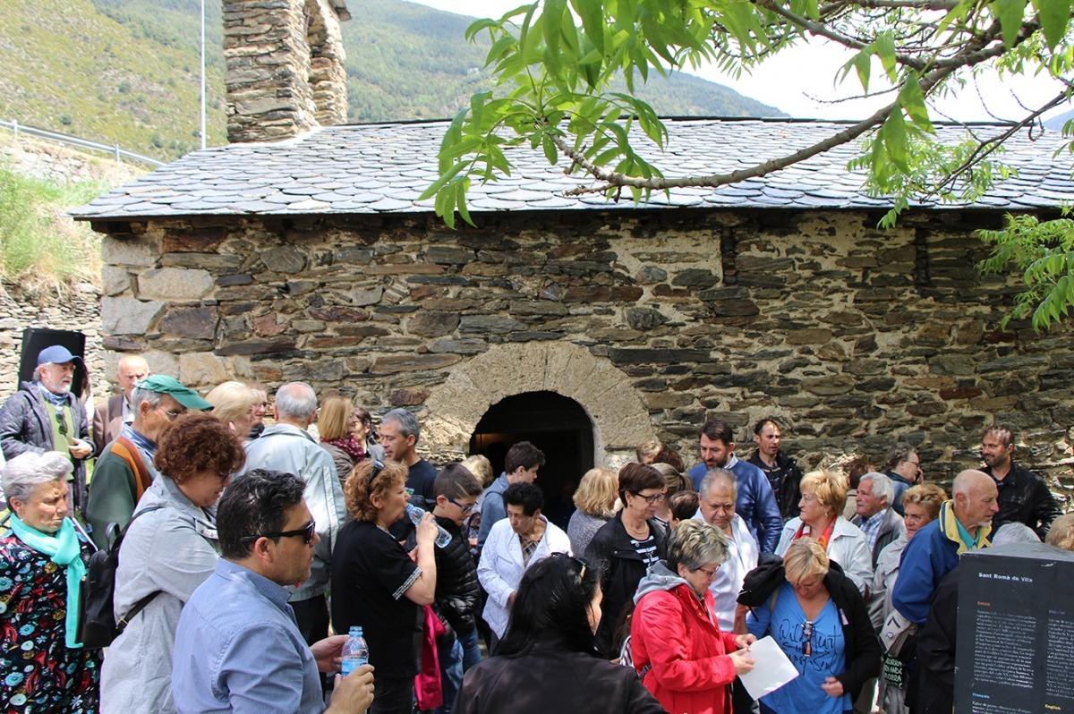 Els assistents a la diada de Sant Romà de Vila.