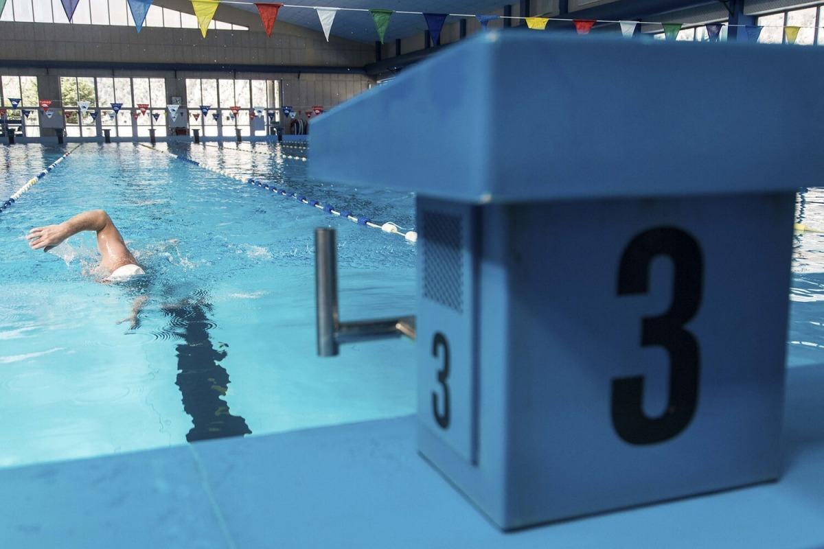 Imatxe d'arxiu de la piscina dels Serradells.