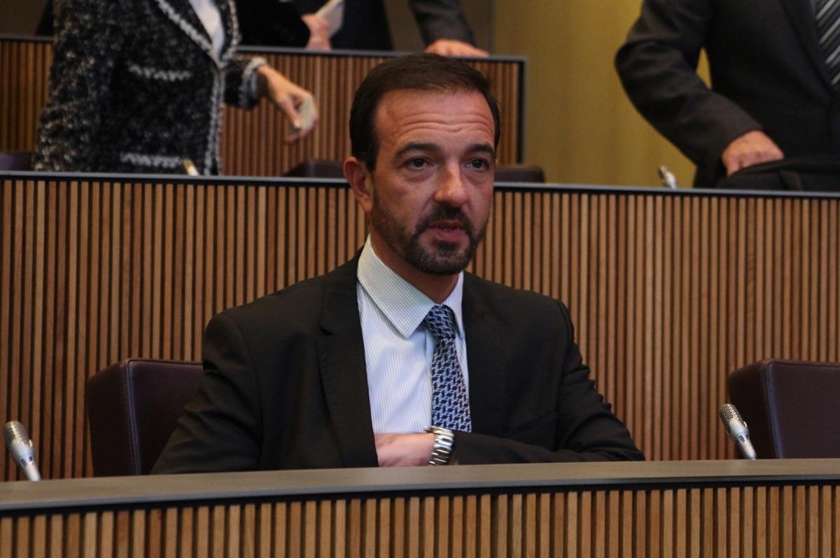 El ministre d'Ordenament Territorial, Jordi Torres, durant la sessió de Consell General.