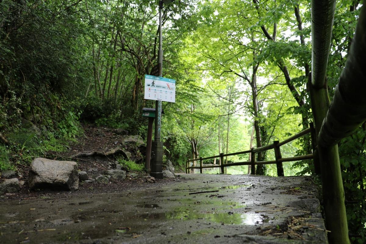 El rec de l'Obac, buit de persones a causa de la pluja.
