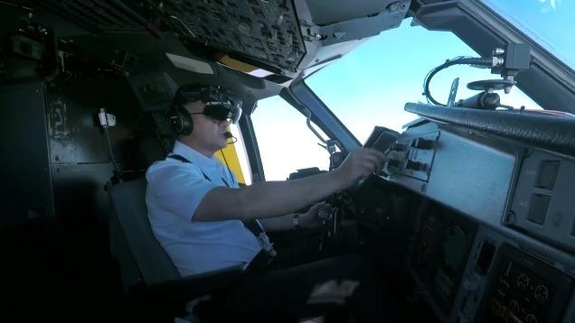Un dels pilots que utilitza una nau d'ATR.