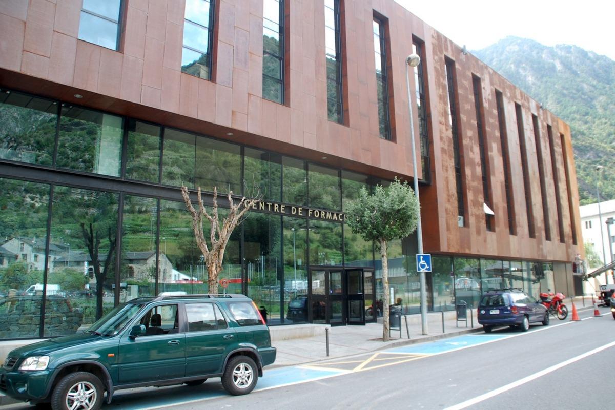 El Centre de Formació Professional d'Aixovall.