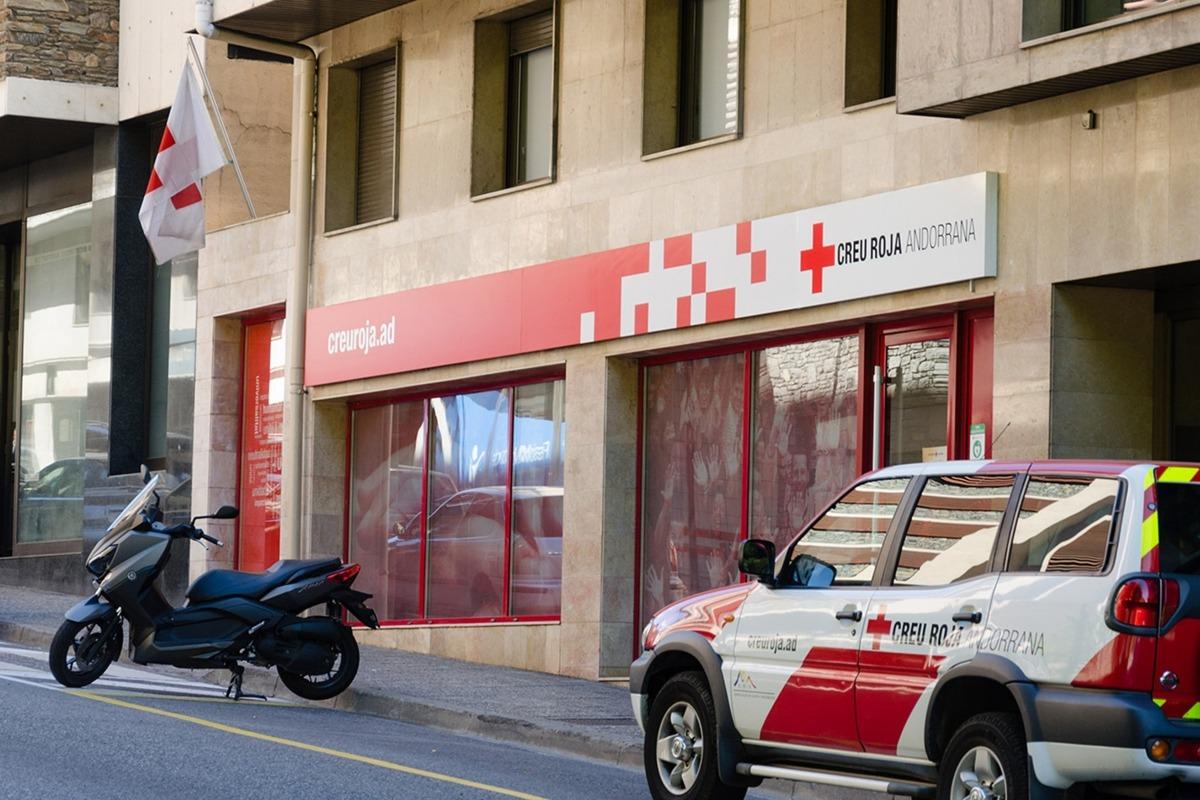Façana de la Creu Roja.