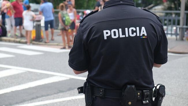 Un agent de policia.