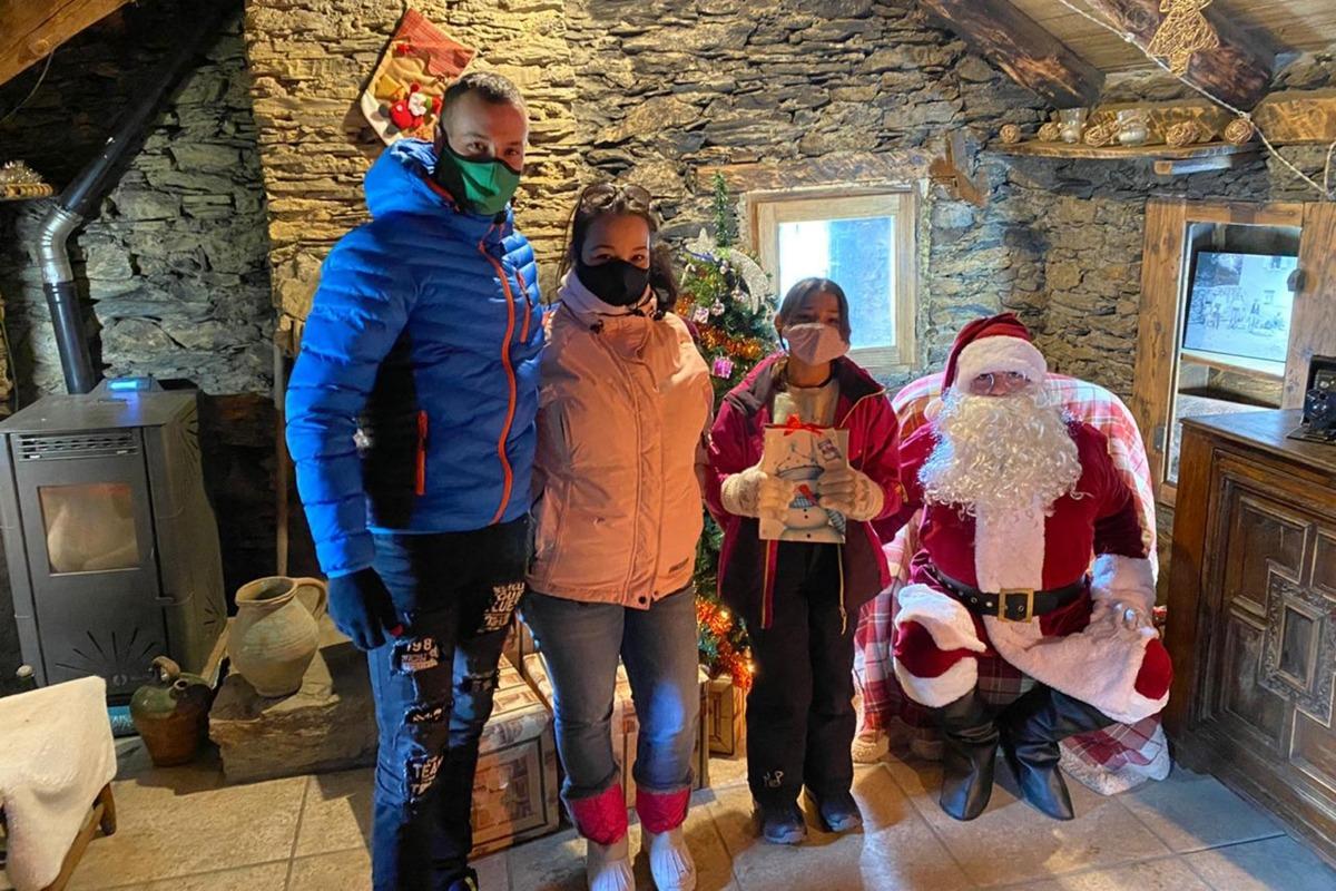 Visita al Pare Noel a la Borda Cremat.