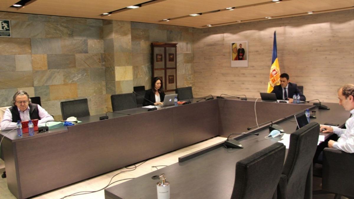 Un instant de la sessió de consell de comú d'Ordino.