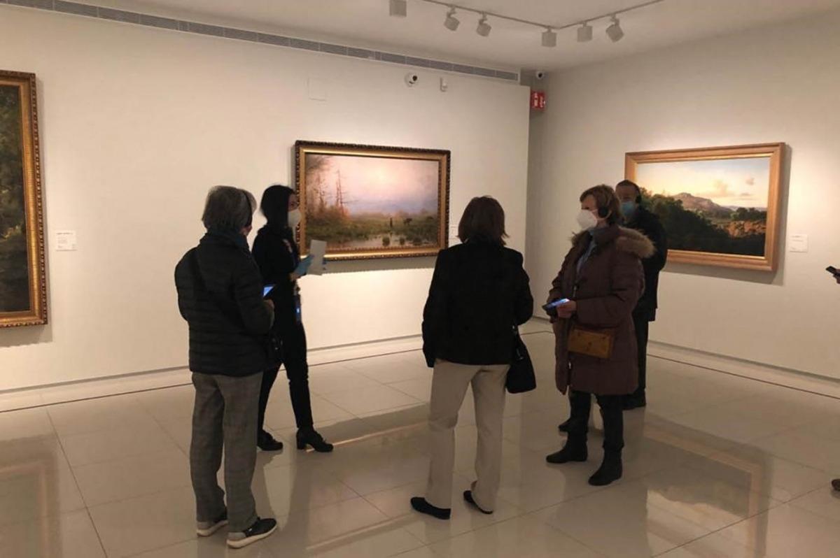 Una visita dels usuaris de L'espai al Museu Carmen Thyssen Andorra.
