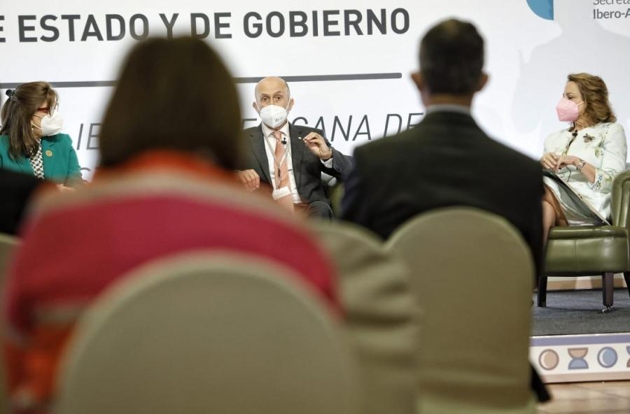 Un moment de l'acte en què ha pres part el ministre de Salut, Joan Martínez Benazet.