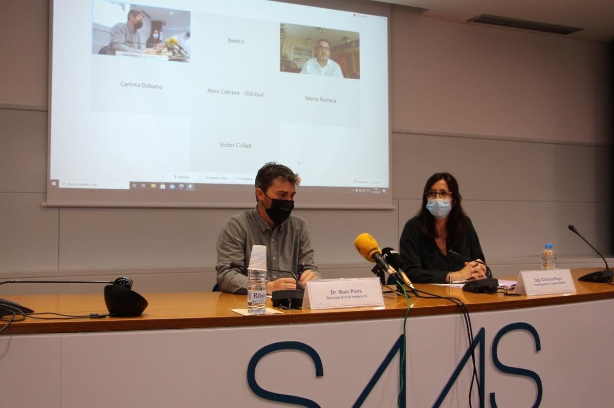 Marc Pons i Cristina Royo en la presentació dels resultats de l'estudi.