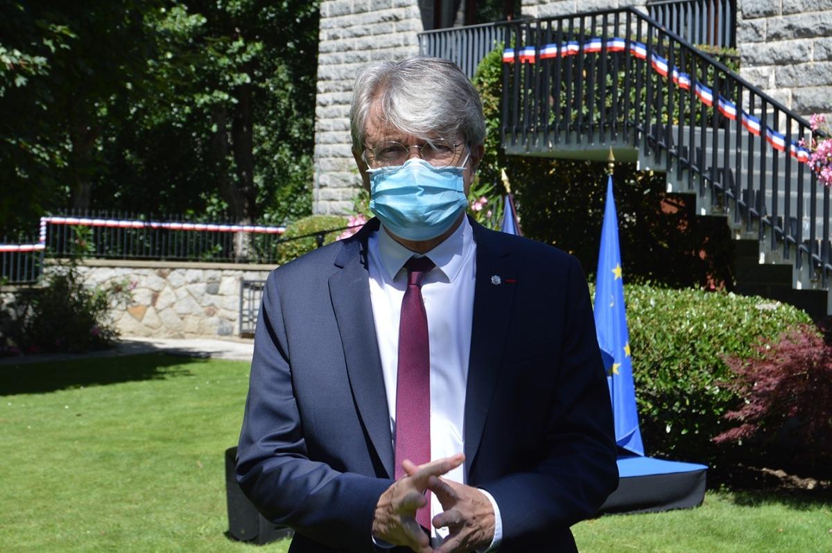 L'ambaixador de França a Andorra, Jean-Claude Tribolet, en la seva atenció als mitjans prèvia a la recepció amb motiu de la festa nacional francesa.