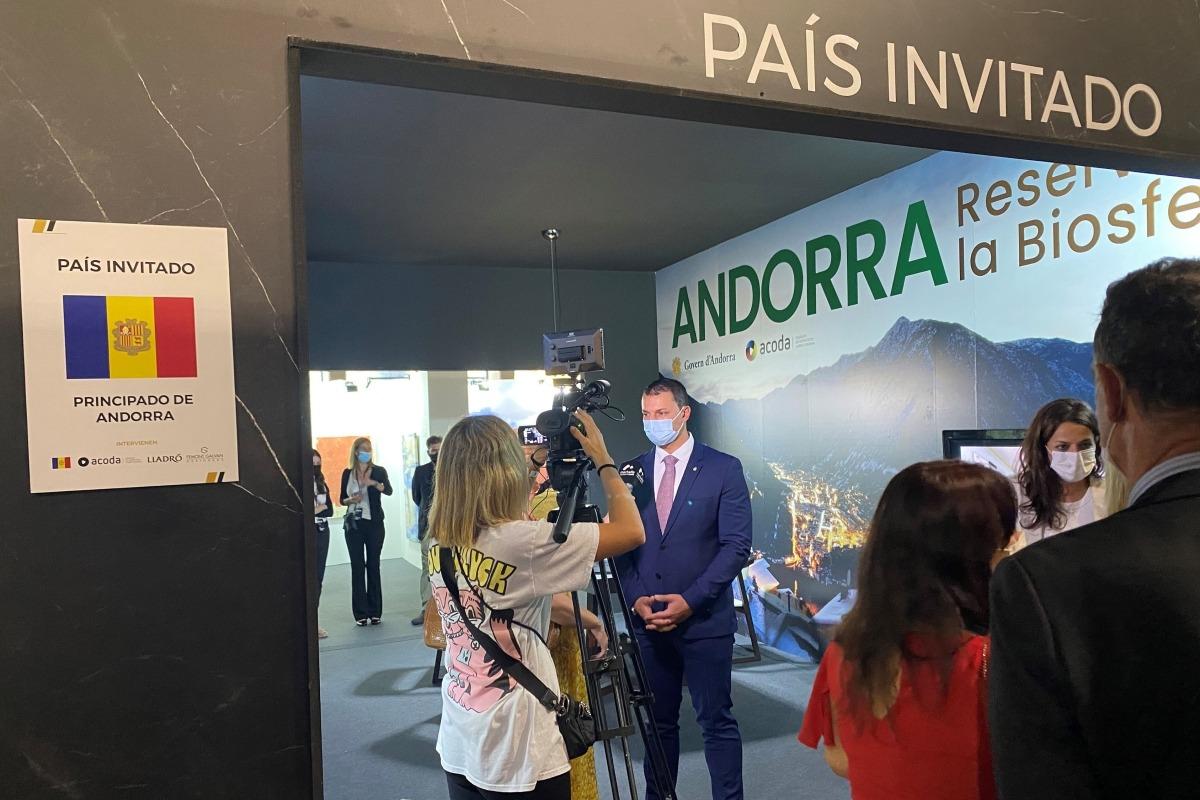 El ministre de Presidència, Economia i Empresa, Jordi Gallardo, a la Design Week de Marbella.