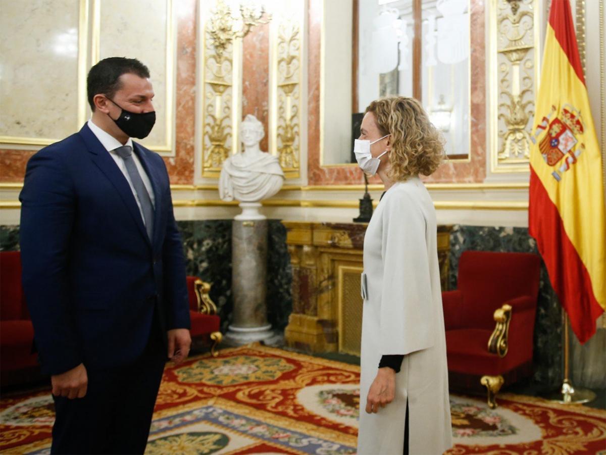 Gallardo amb la presidenta del Congrés espanyol, Meritxell Batet.