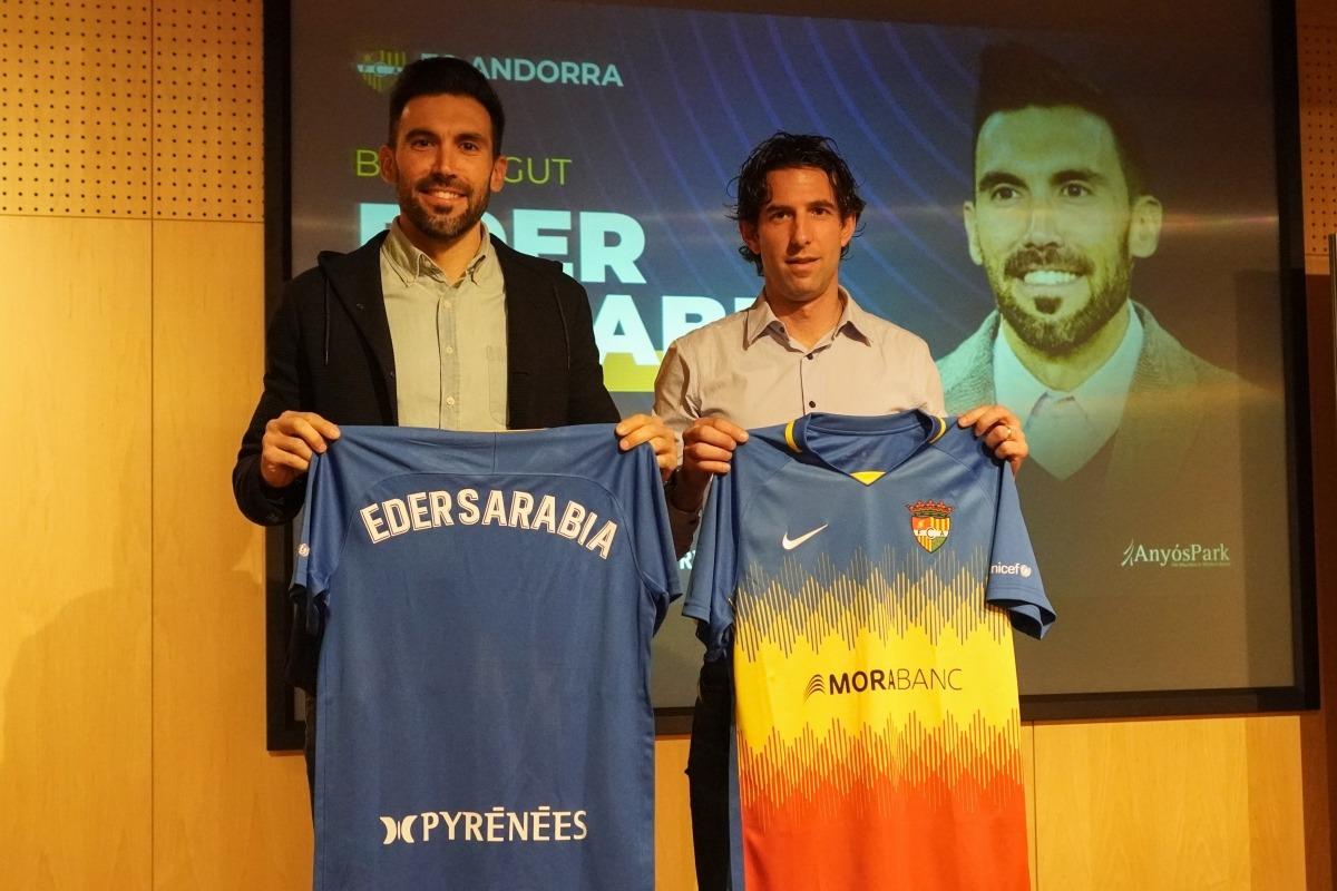 Eder Sarabia i Jaume Nogués, a la presentació oficial aquest matí. Foto: FC Andorra
