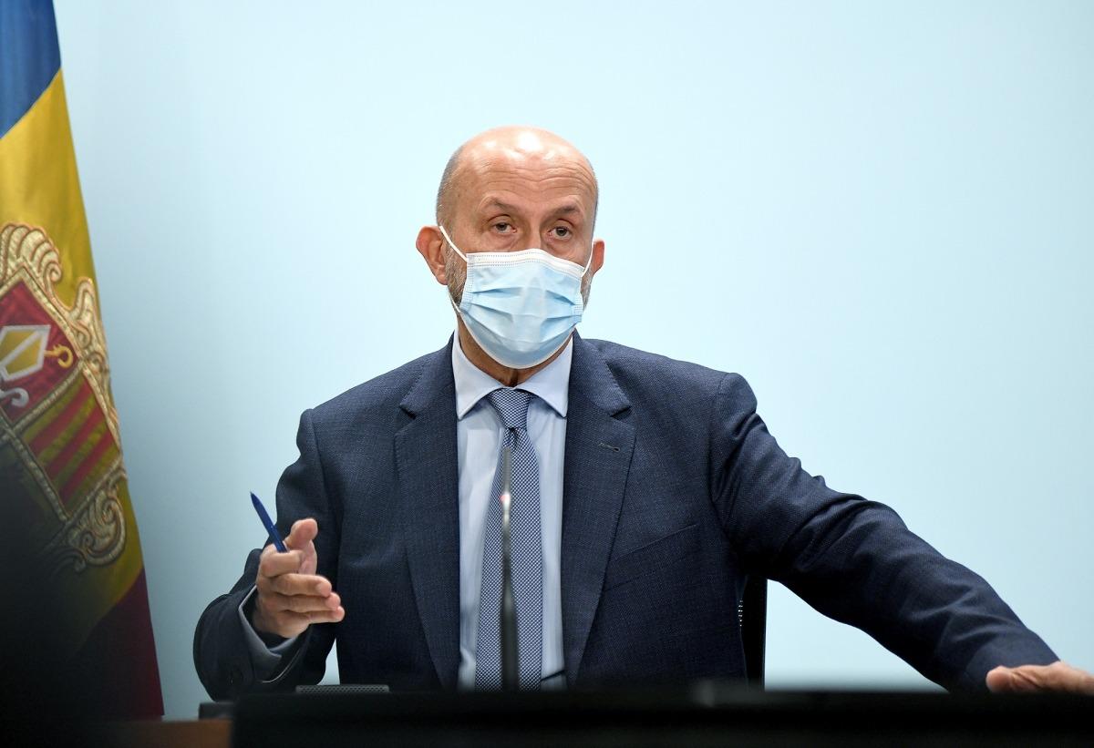 El ministre de Salut, Joan Martínez Benazet, en la roda de premsa d'aquest migdia.