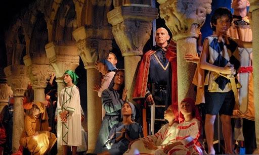 El tradicional Retaule se celebra a principis d'agost a la catedral de Santa Maria.