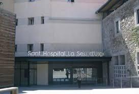 La Seu trasllada un dels afectats per Covid-19 a Andorra i un altre, a Lleida