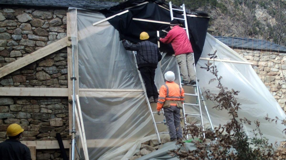 Imatge dels treballs en marxa a Sant Vicenç d'Enclar.