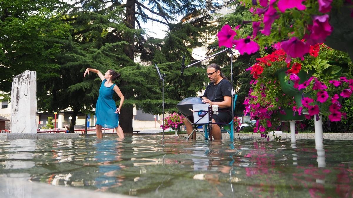 La 'performance' titulada Aigua font de vida.