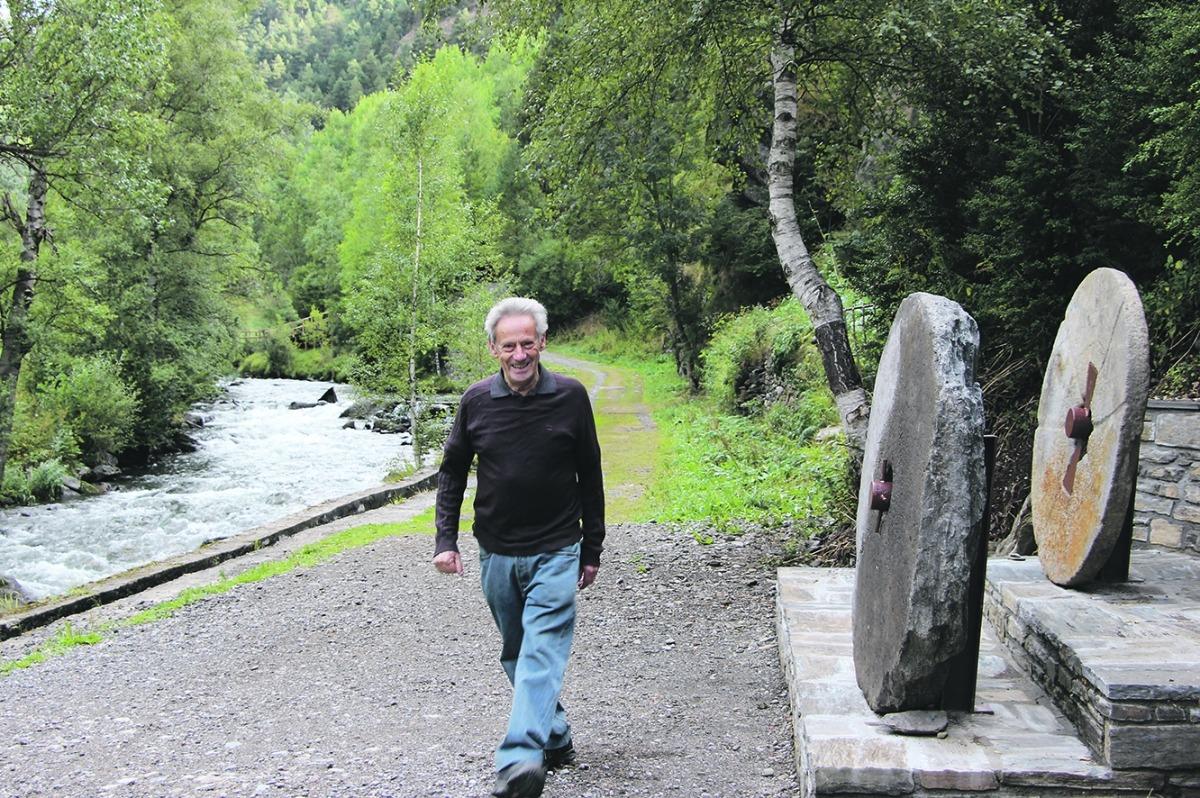 Antoni Naudí, un dels veïns impulsors de la iniciativa de recuperació de les pedres de la mola.