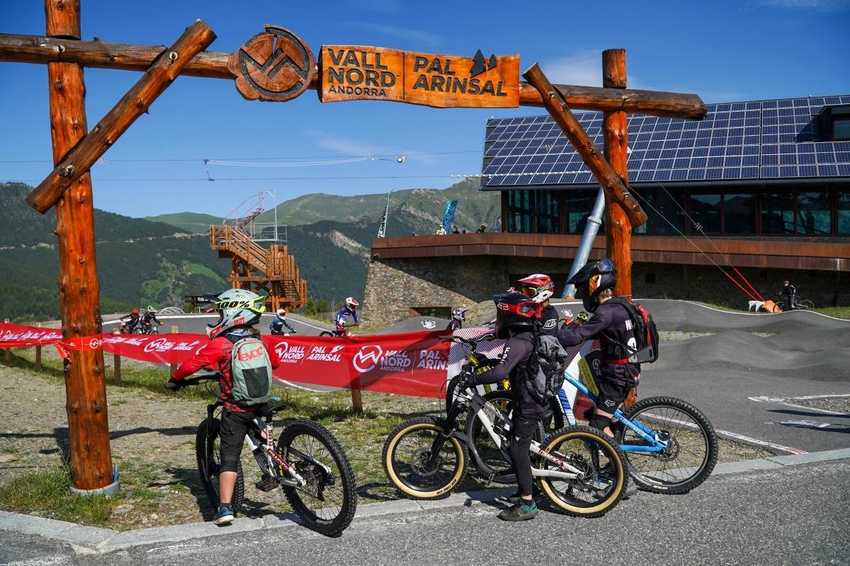 'Bikers' a les instal·lacions de Pal Arinsal.