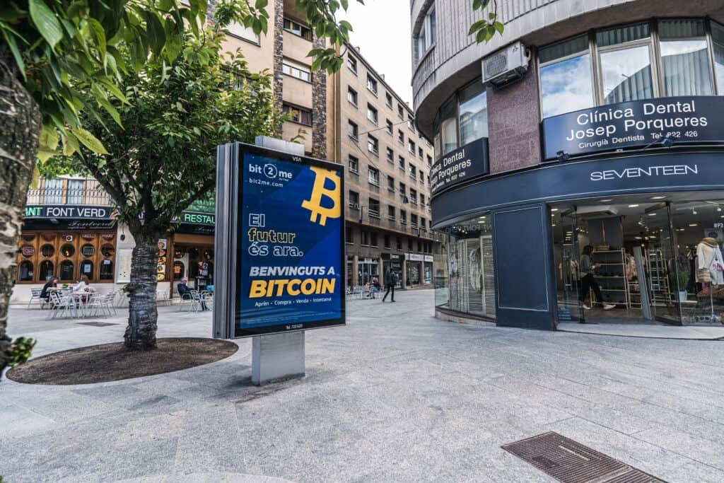 Un dels cartells de la campanya de promoció de Bitcoin de Bit2Me.
