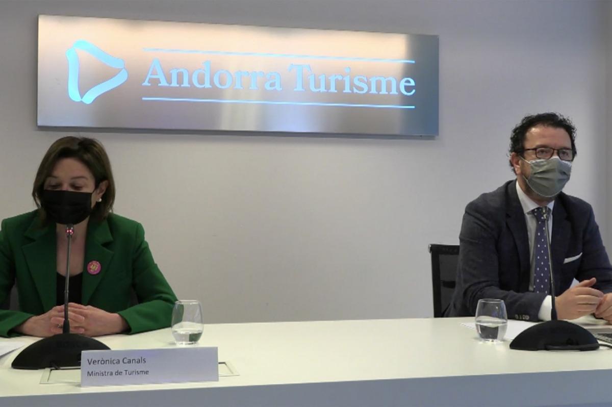 La ministra de Turisme, Verònica Canals, i el director general d'Andorra Turisme, Betim Budzaku.