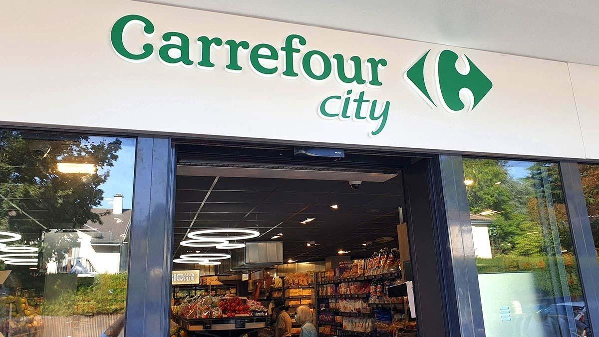 La façana d'un Carrefour City.