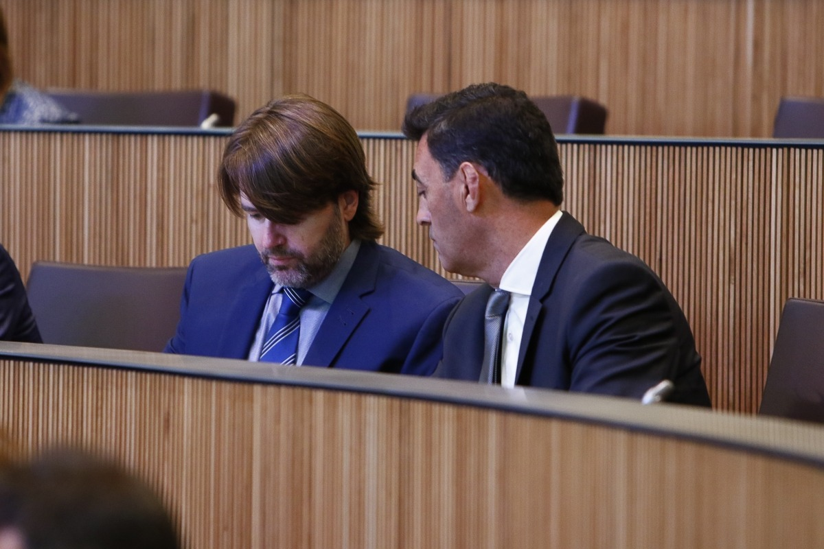 Els consellers del grup de Ciutadans Compromesos Carles Naudi d'Areny-Plandolit i Raul Ferré.