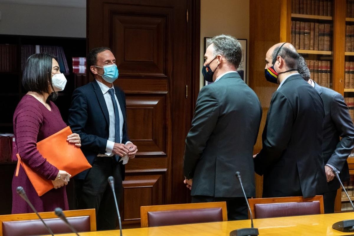 Costa, Montané i Mateu amb els diputats de Ciudadanos Edmundo Bal i Mari Carmen Martínez Granados.
