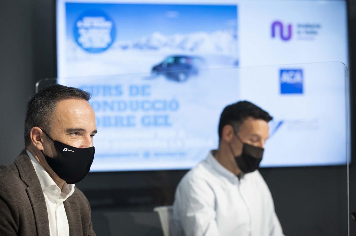 Alain Cabanes i Àlex Bercianos han presentat avui el curs de conducció sobre gel per a joves.