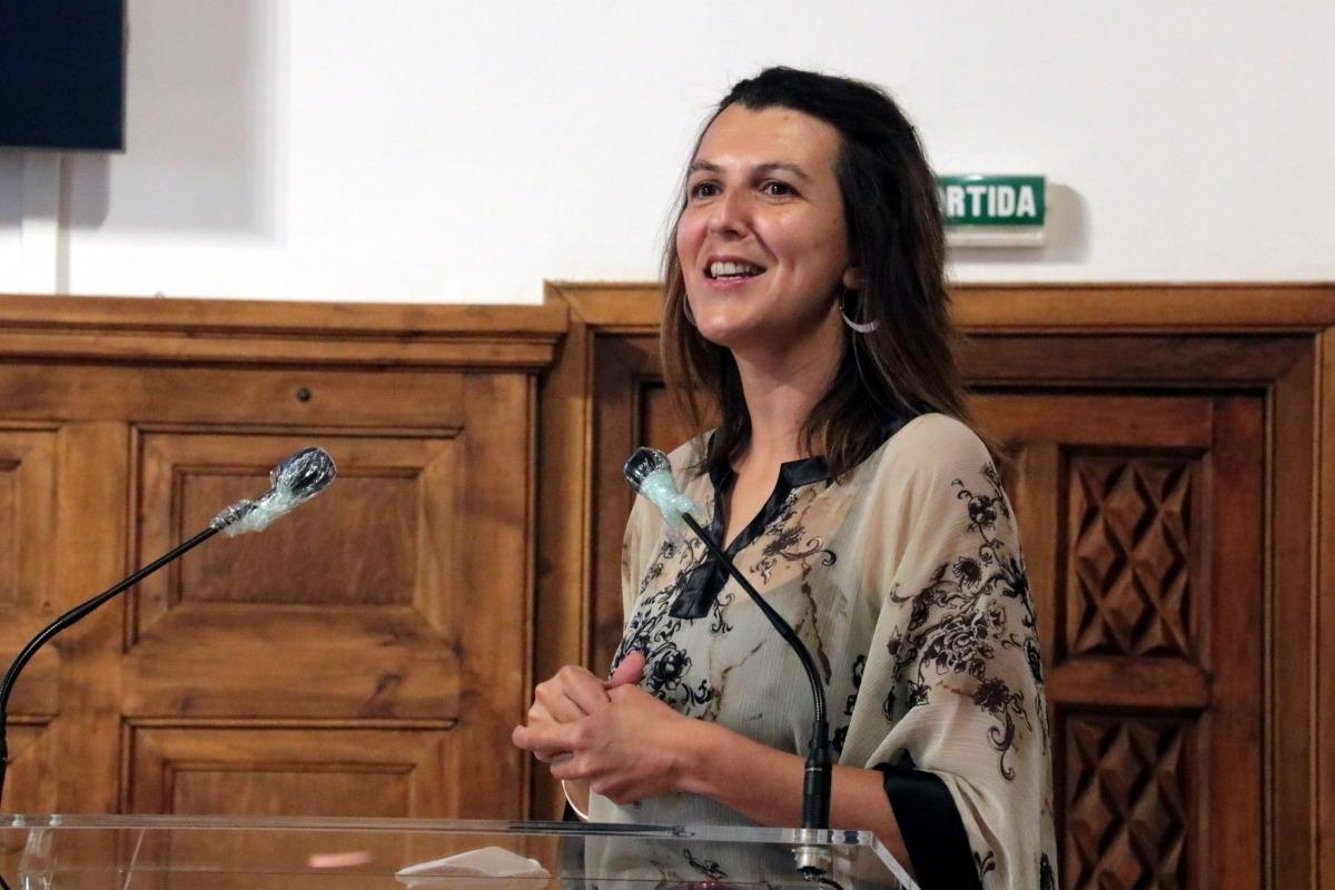 La directora del Dànsaneu, Rut Martínez, durant la presentació de la 30a edició del festival.