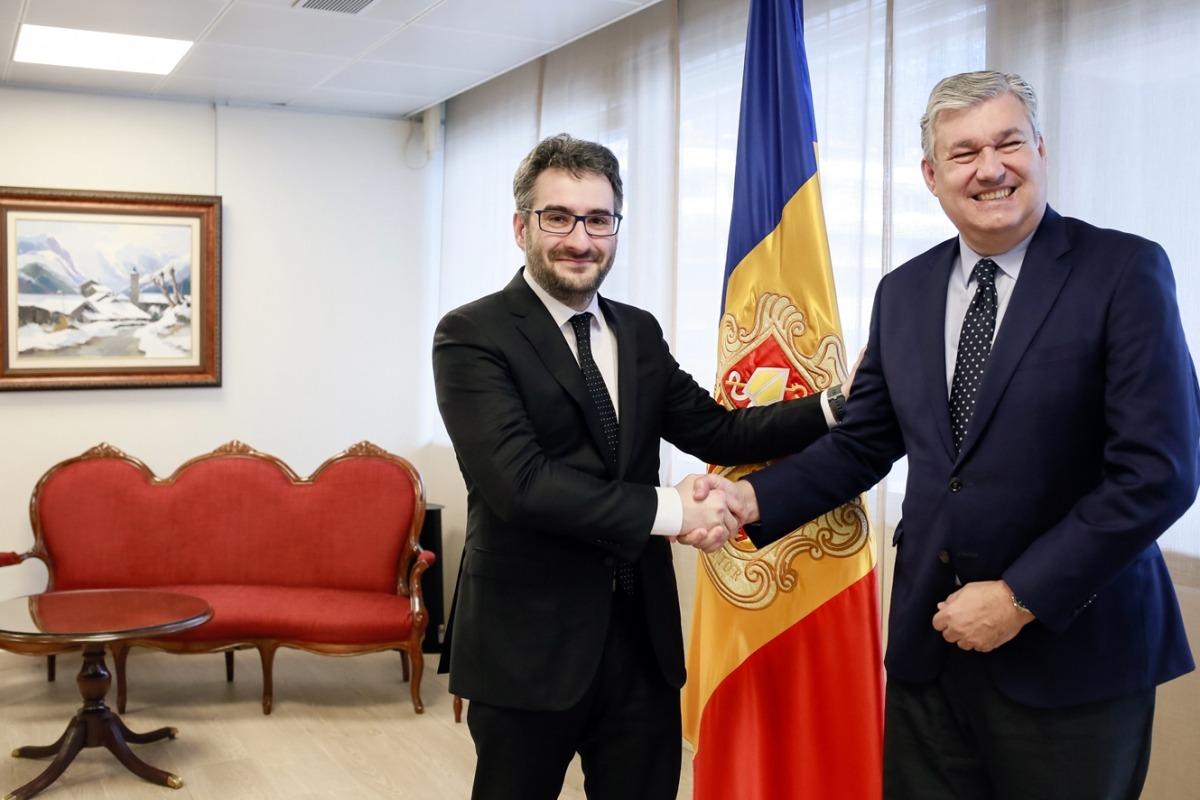 ANA/ Reunió del ministre d'Educació i Ensenyament Superior, Eric Jover, amb el director general d'Esade, Koldo Echebarria.