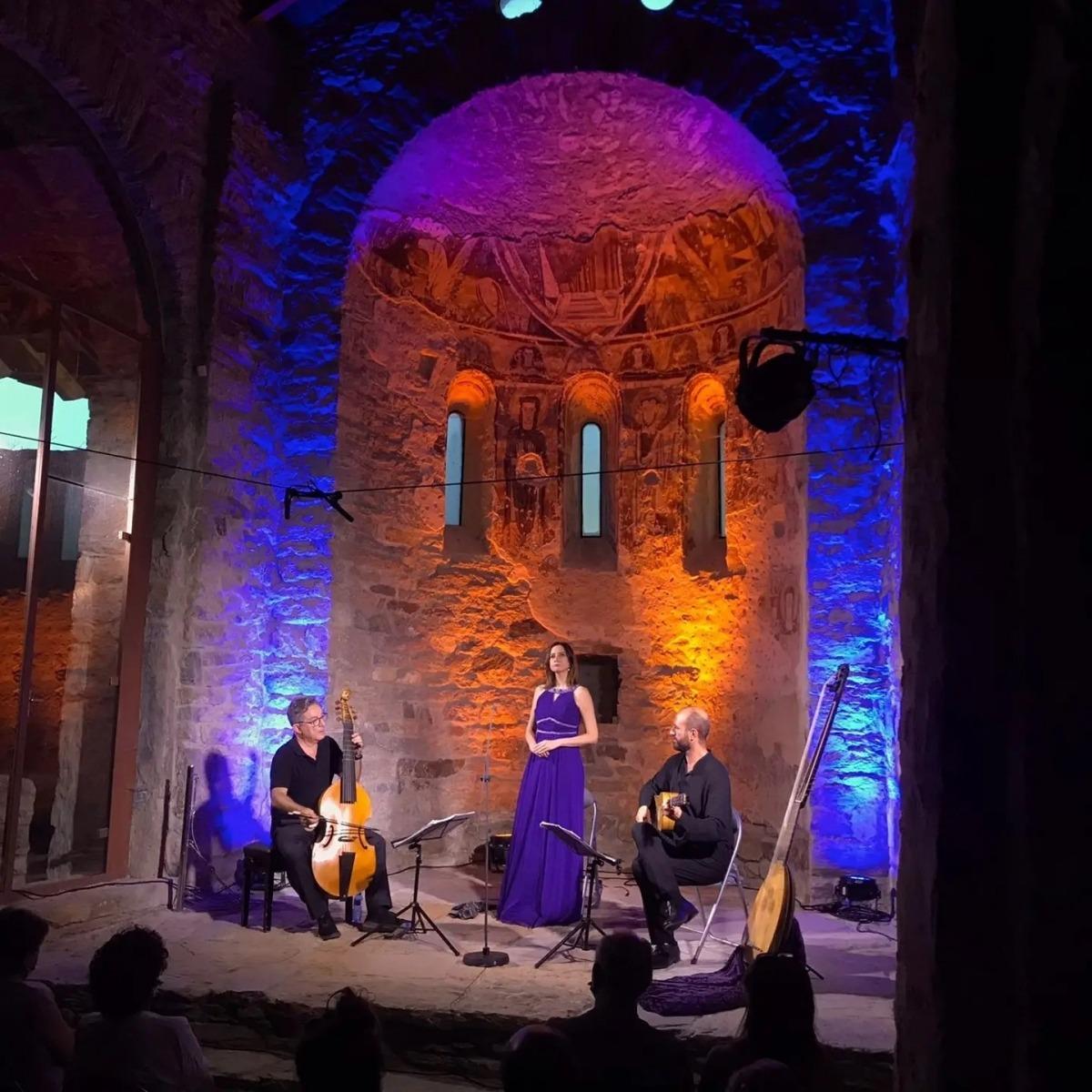 Capilla de Ministrers durant l'actuació a Sant Vicenç d'Estamariu.