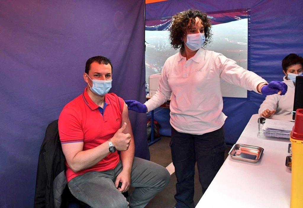 El ministre Gallardo el dia que es va vacunar.
