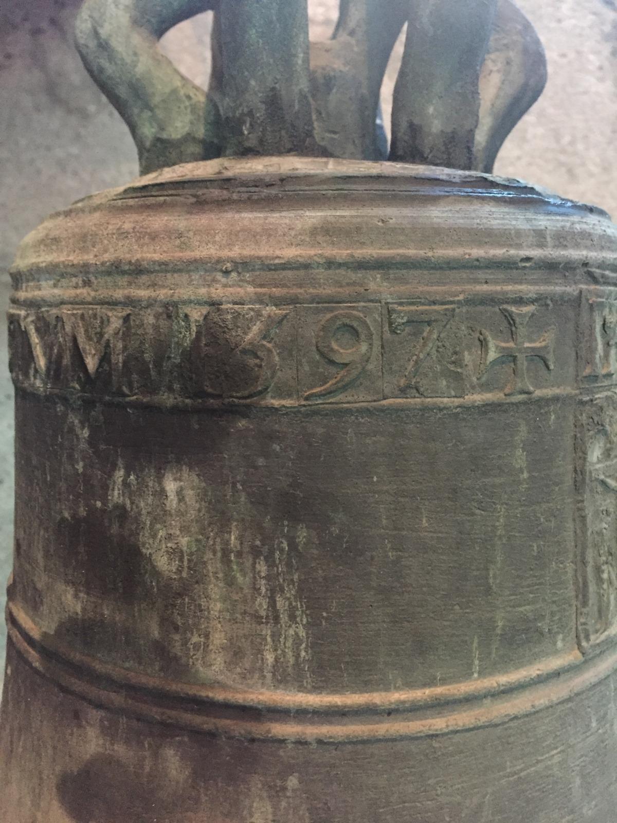 Detall de l'any, 1597, en què va ser fosa la 'Jesús i Maria', per un campaner de qui desconeixem el nom i probablement 'in situ'.