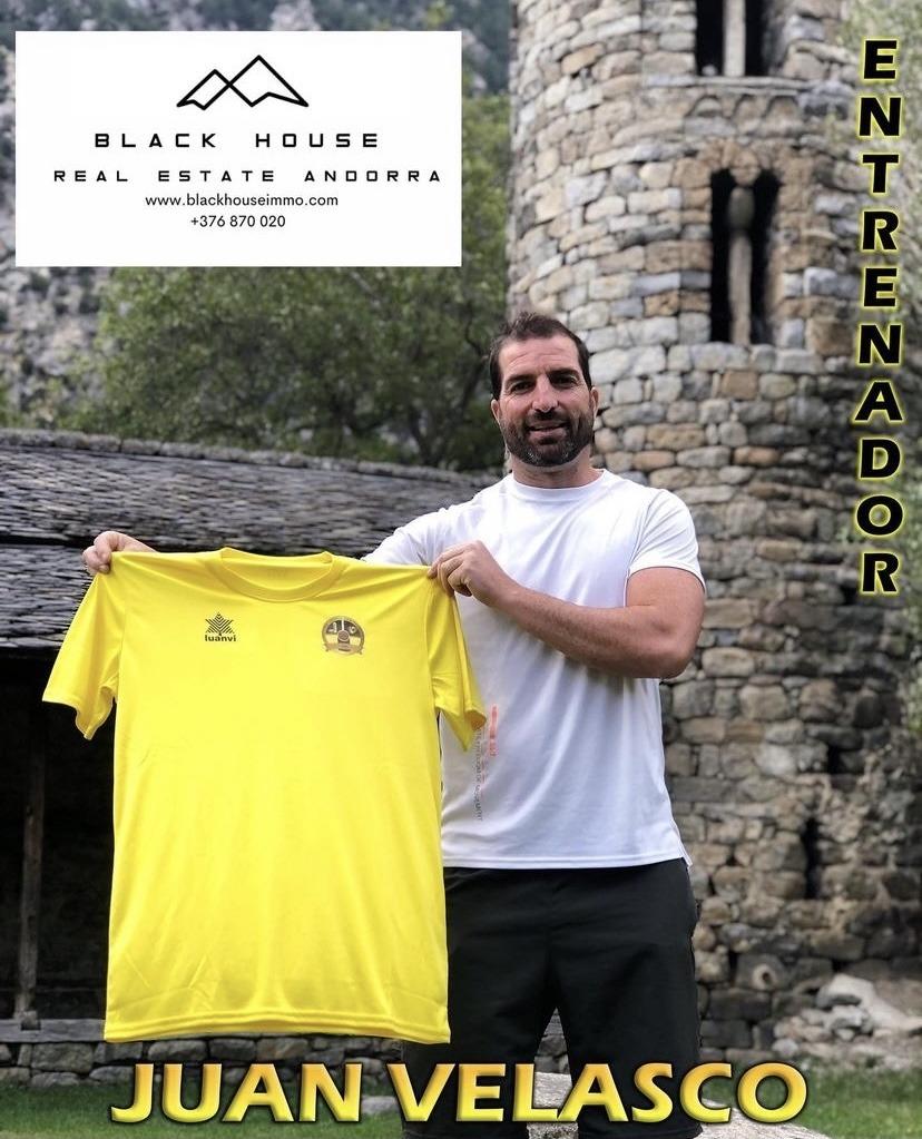 Juan Velasco, amb la samarreta de la UE Santa Coloma. Foto: Instagram