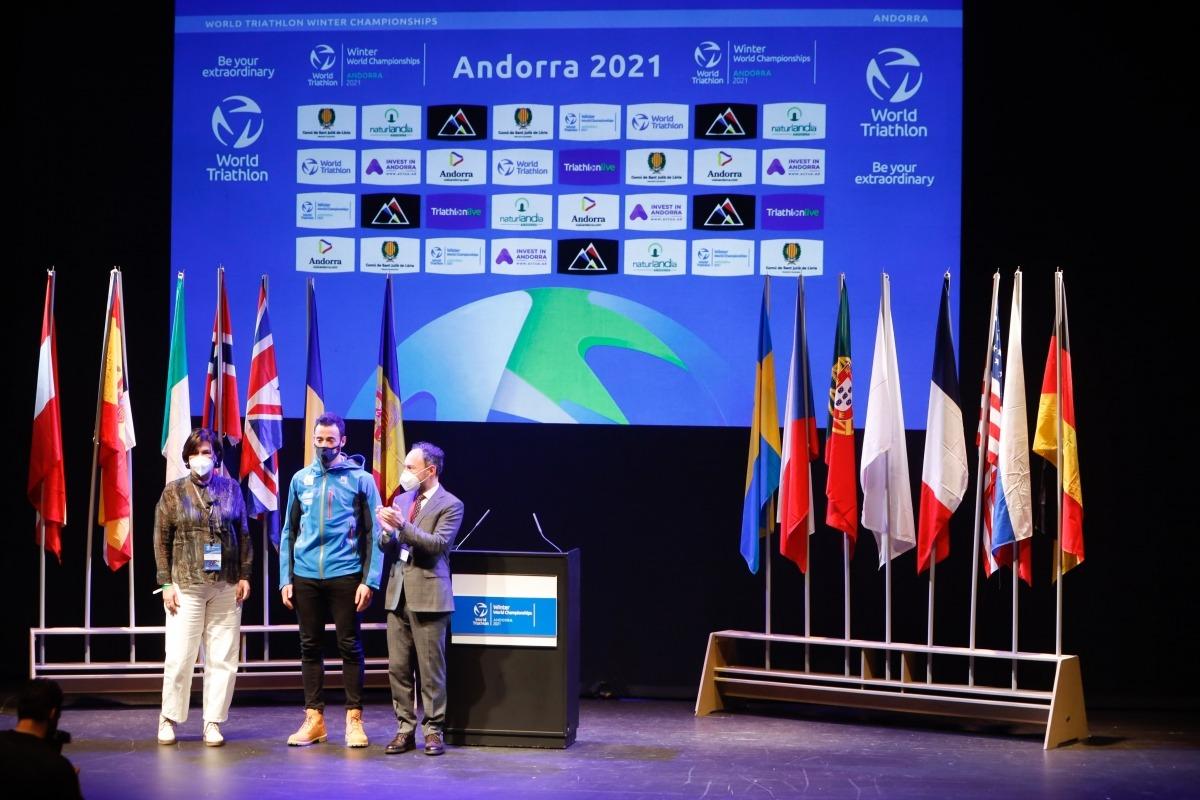 Un moment de la inauguració del Campionat del Món de Triatló d'Hivern.