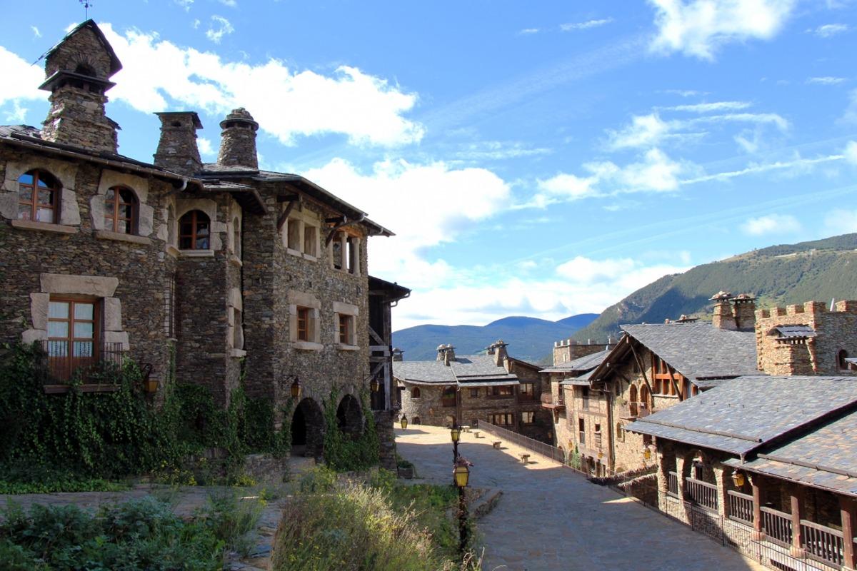 El poble d'Auvinyà.