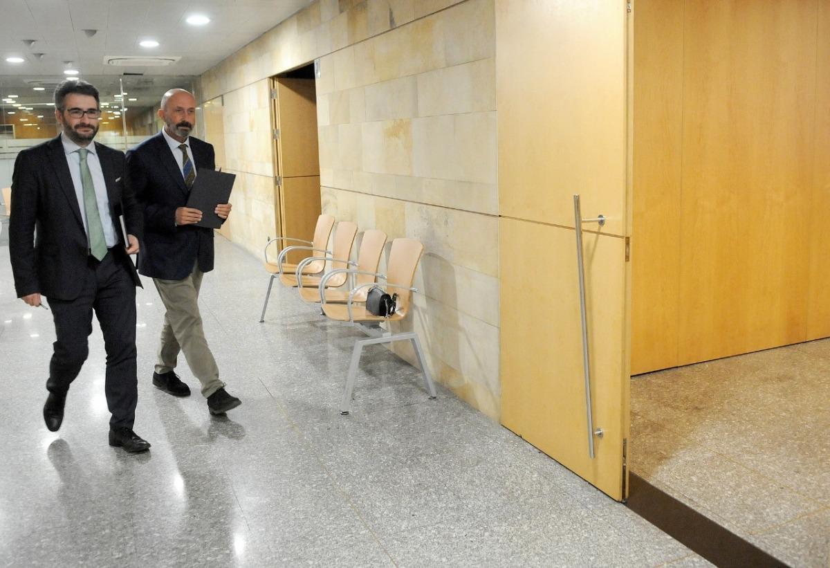 Eric Jover i Joan Martínez Benazet moments abans de la compareixença d'aquest vespre.