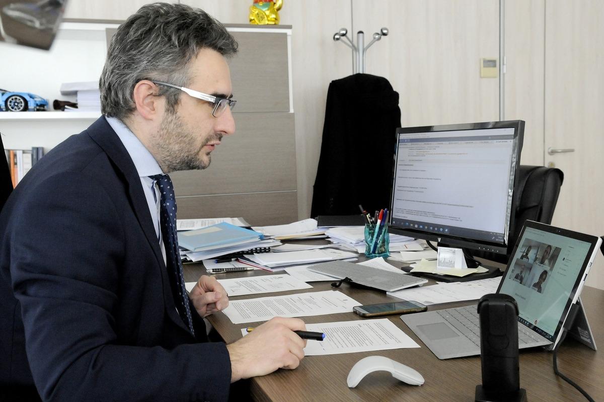 El ministre de Finances, Eric Jover, durant la reunió amb el seu homòleg holandès, Wopke Hoekstra.