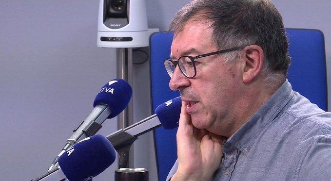 El periodista Àlex Lliteras era el director i presentador de l''Ara i Aquí', el programa despertador de RNA.