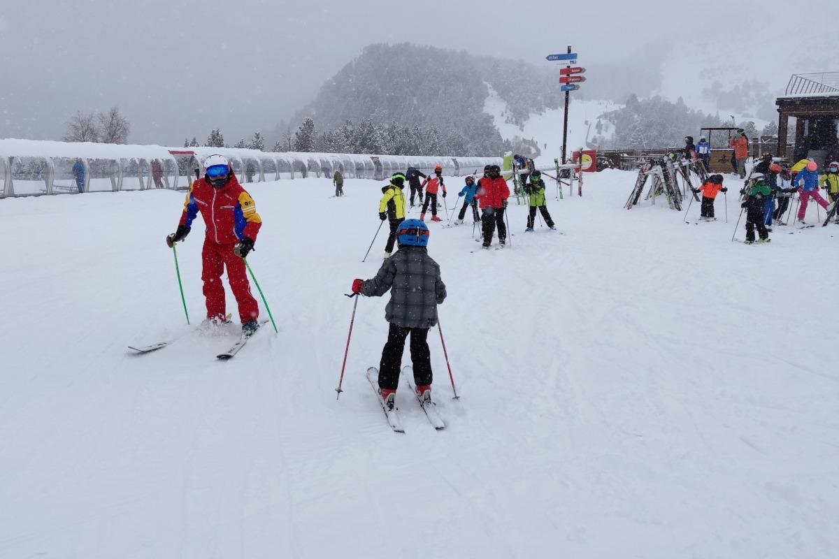 Una classe d'esquí.