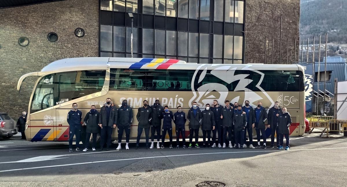 Els integrants de l'equip, abans de sortir d'Andorra direcció Fuenlabrada.