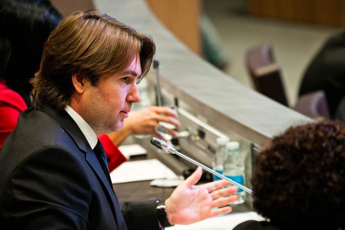 El consell general d'UL-ILM Carles Naudi en una sessió parlamentària.