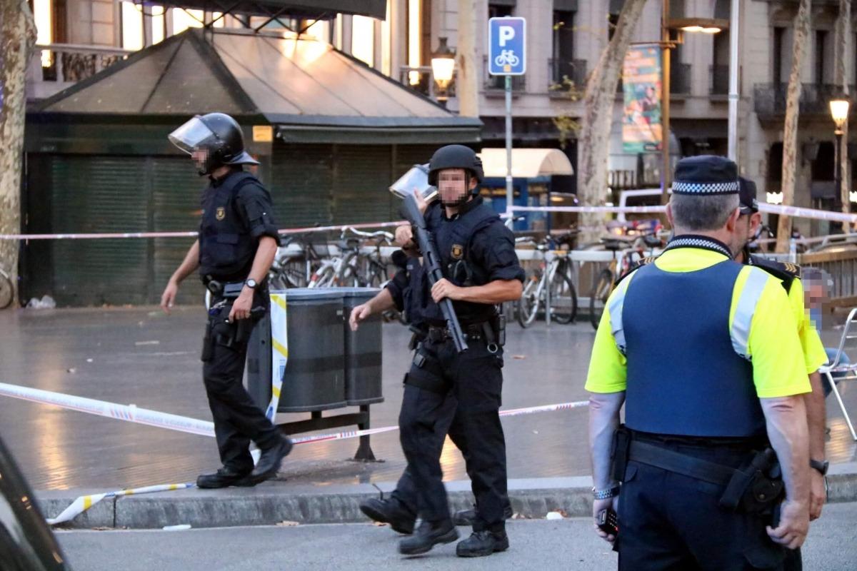 Un total de 13 morts i 80 ferits en un atemptat a Barcelona