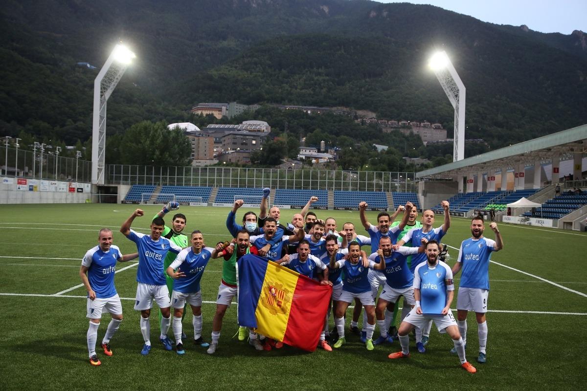 L'Inter Escaldes celebra la classificació europea a l'Estadi Nacional.