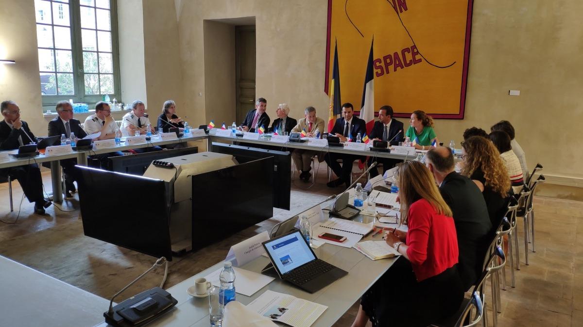 Étienne Guyot, el tercer per l'esquerra, al costat dels ministres Jordi Gallardo, Jordi Torres i Sílvia Calvó, en la trobada celebrada ahir a Tolosa.