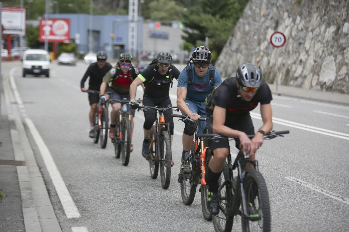 El nou codi de circulació assimilarà els conductors de bicicletes i patinets als dels cotxes.